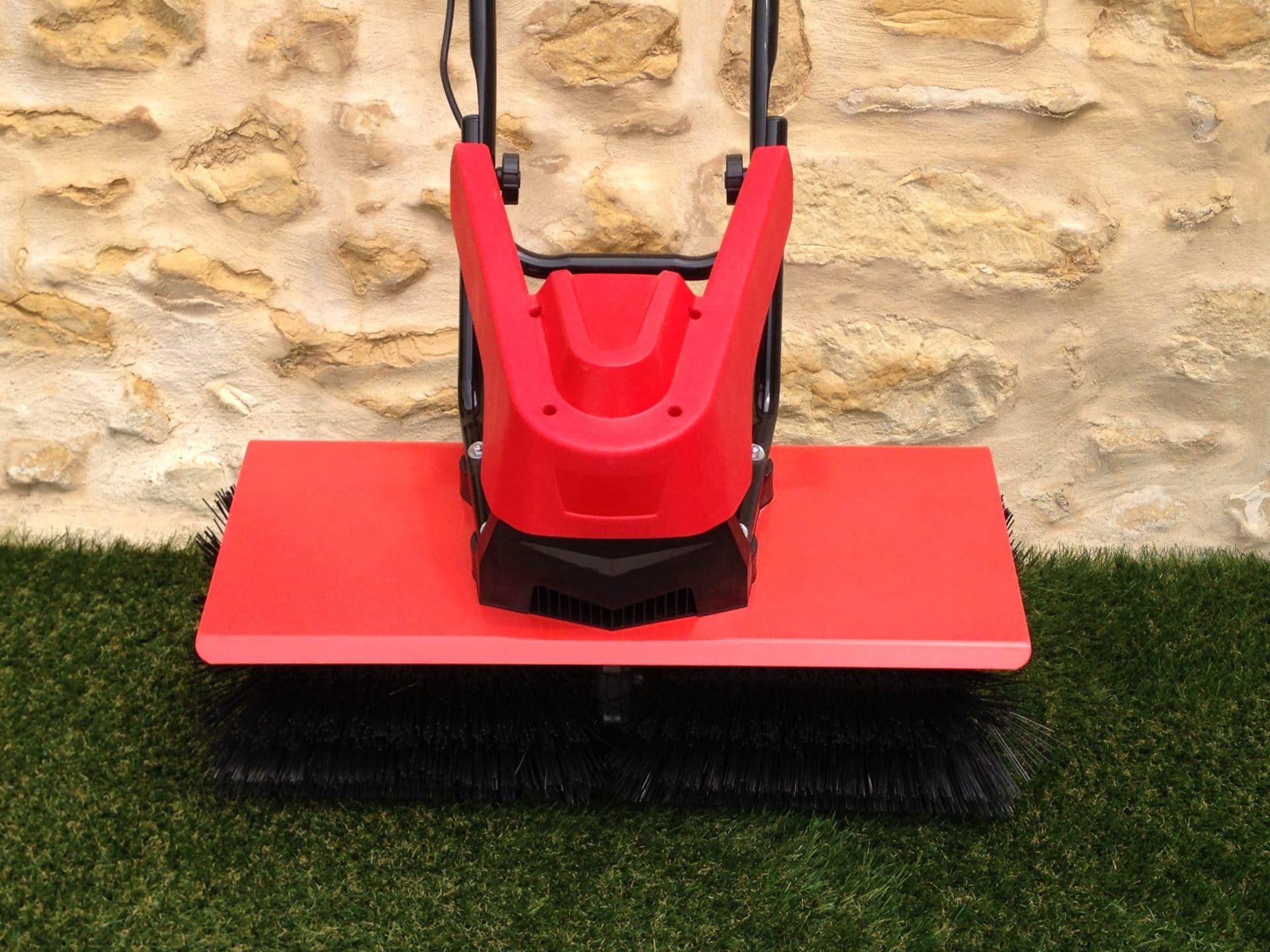 balai brosse pour pelouse synthétique